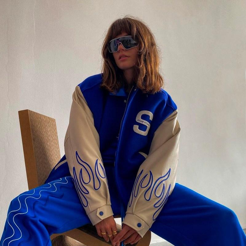El estilo preppy está de regreso y las varsity jackets son el must de otoño