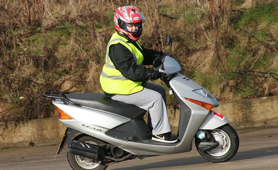 female scooter insurance best brokers uk