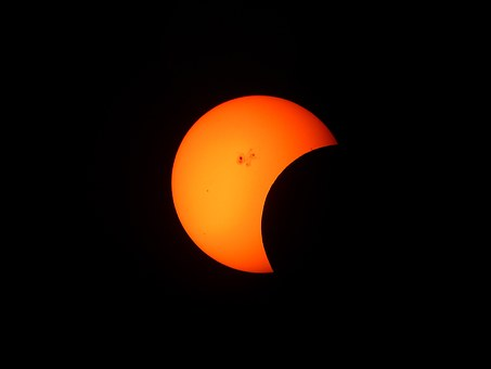 Never thought your home would be burlgarized during an eclipse? Think again!