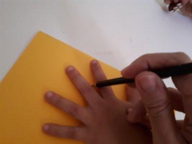 Dia das mães: cartão coração - desenhando a mão