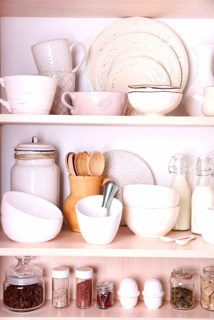 decoração de cozinha com prateleiras 20