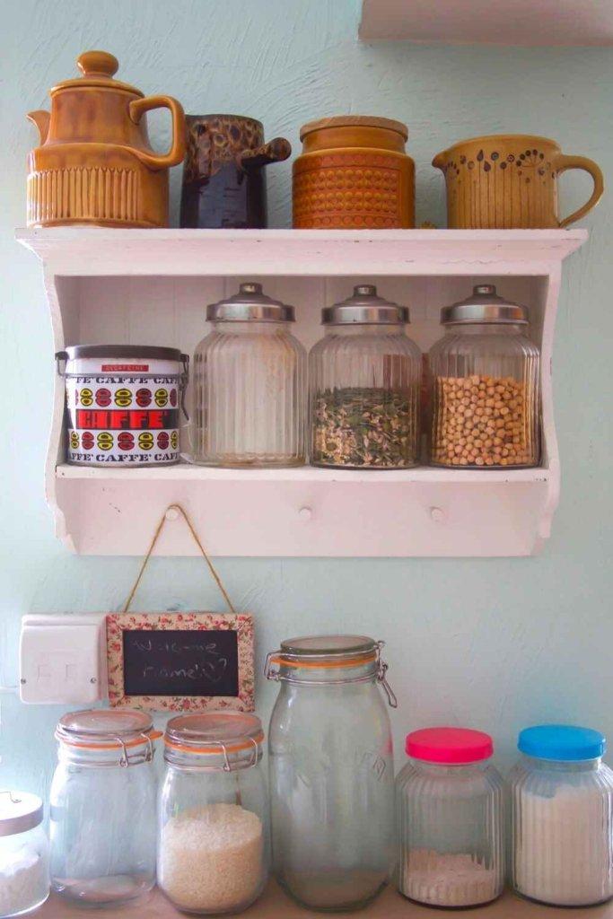 decoração de cozinha com prateleiras 6