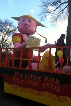 IMG_2444 Carnaval Wijchen Frau Antje stut vur Duitsland kloar (cropped)