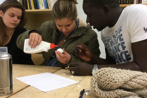 Studerande från Amisto och Inveon i Borgå skapar tillsammans.