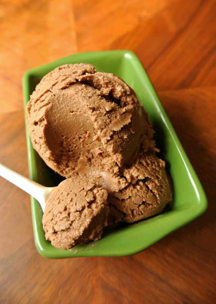 vegan-chocolate-ice-cream-3