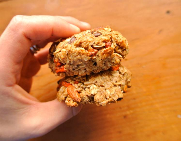 almond-butter-goji-berry-cookies-3