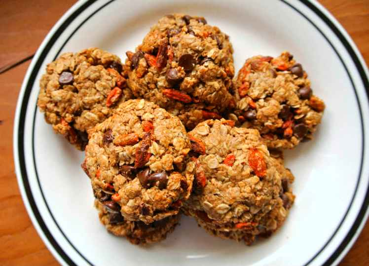 almond-butter-goji-berry-cookies