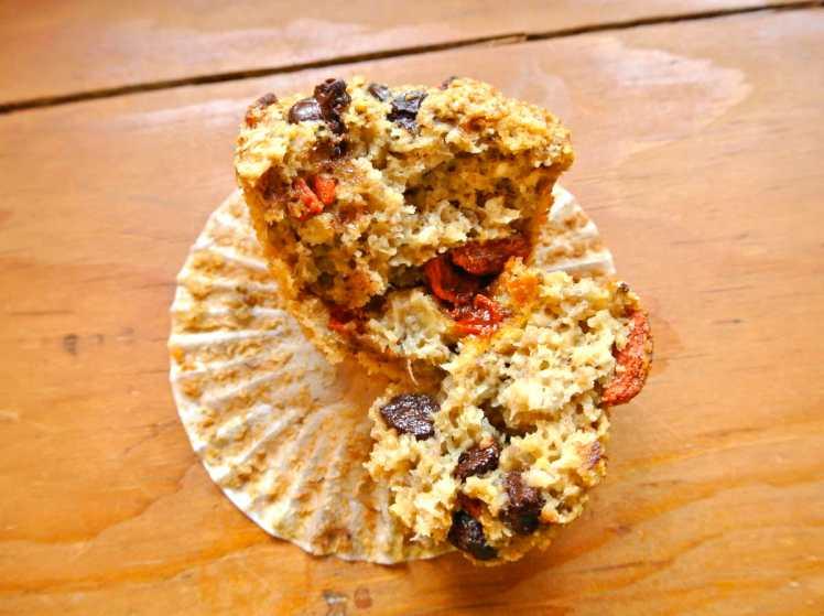 banana-goji-muffins-2