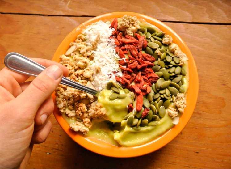 sunshine-smoothie-bowl-2