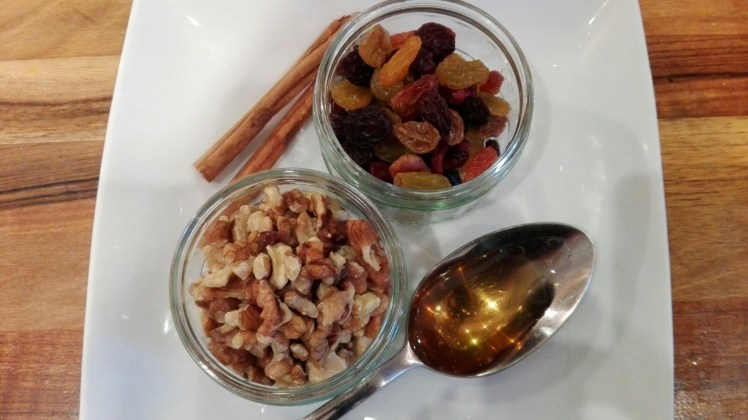 Walnut yogurt topper ingredients