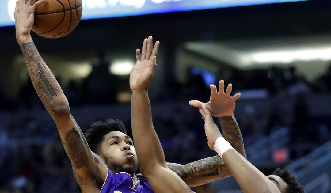 Lakers show some pride in win over Suns