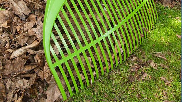 Ames Collector Series Leaf Rake