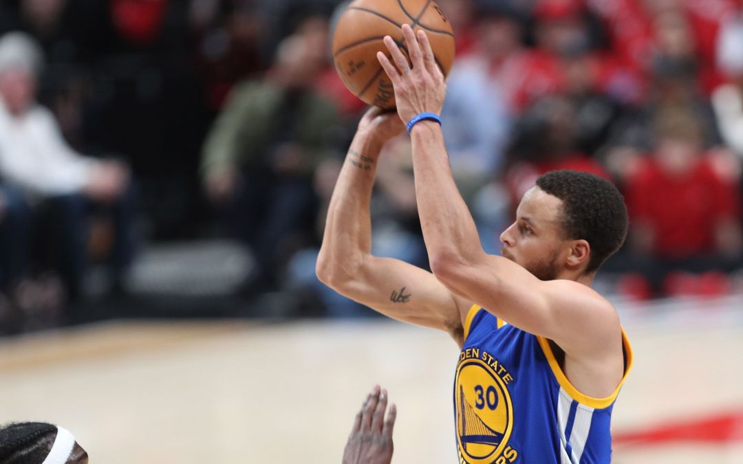 Stephen Curry, Warriors steamroll Blazers to complete series sweep