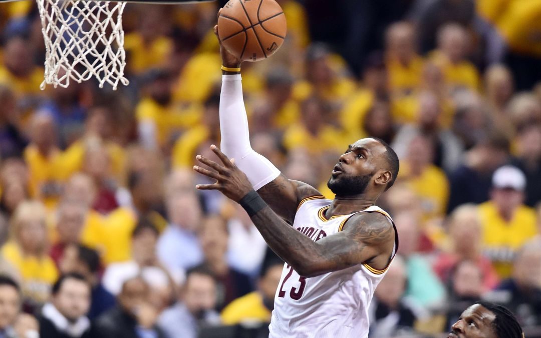 LeBron James, Cavs dominate in Game 1 win over Raptors