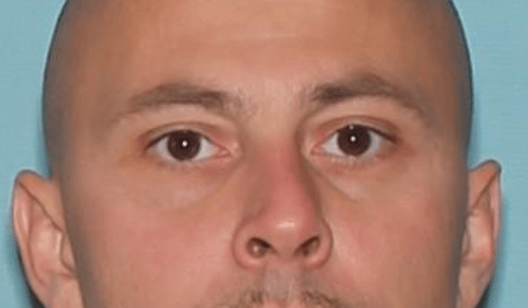 Arizona fugitive who cut off monitoring device sought