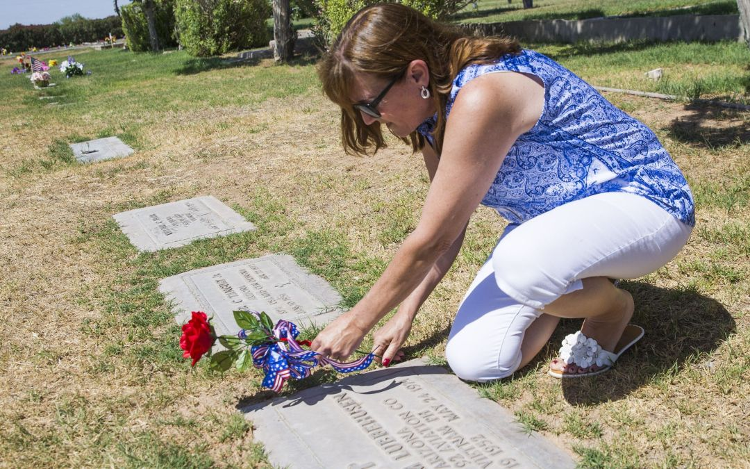 Do you know these Arizona veterans? Project aims to put a face to every name in Vietnam memorial