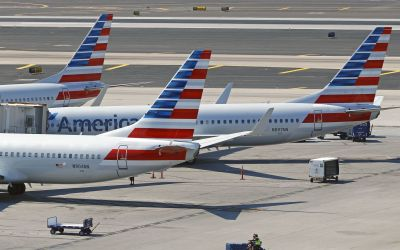 American Airlines flight bound for Hawaii returns to Phoenix