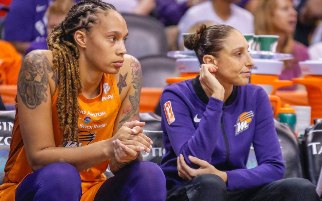 Phoenix Mercury's season ends in blowout loss to Chicago Sky
