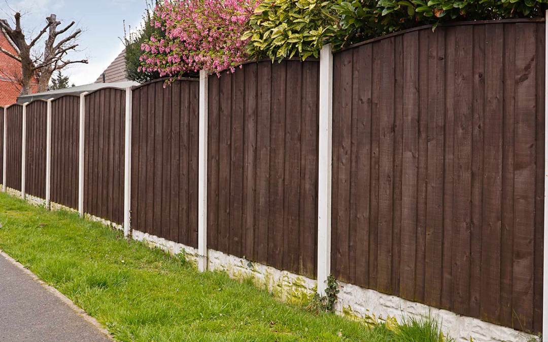 Fencing Options to Keep Your Yard Stylishly Secure