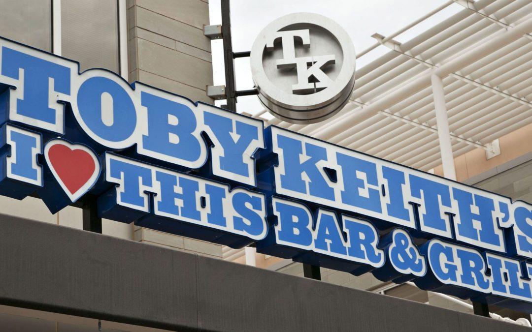 Lawyer in ex-mobster's Toby Keith restaurant scheme gets prison term
