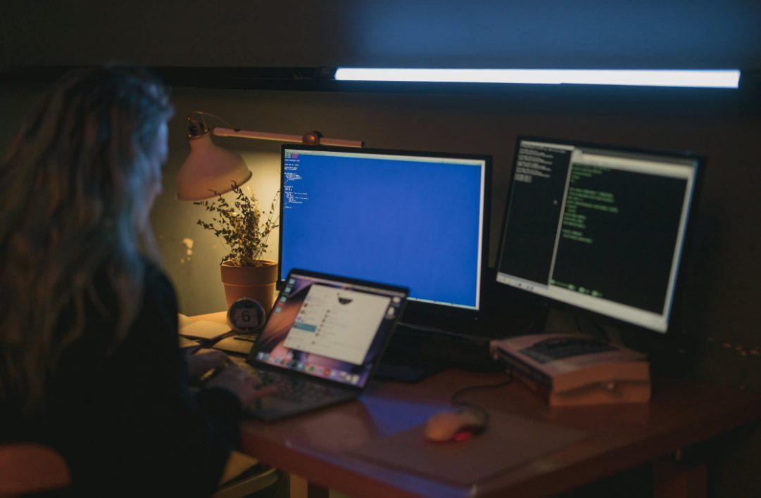 delitos informaticos hacker daños sistemas abogados especialistas denunciar delitos