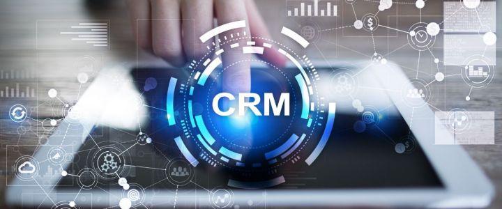 ¿Cómo un CRM mejora las comunicaciones internas?