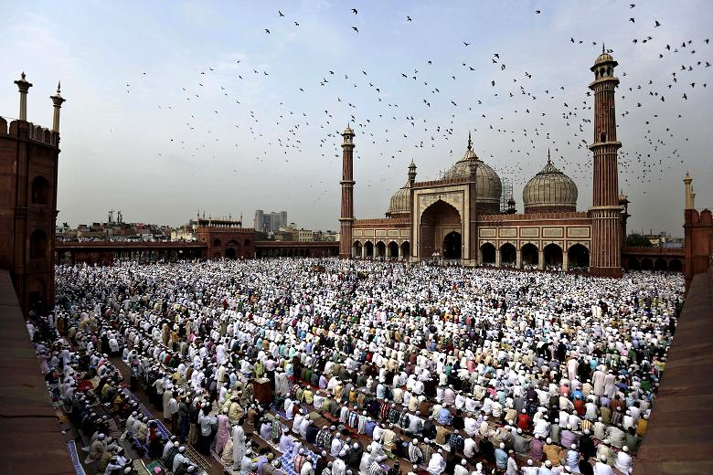 `Eid Al-Fitr: Prayer and Celebrations