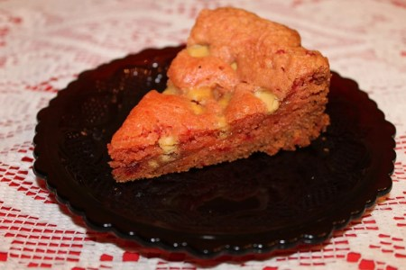 Crockpot Strawberry brownie with white chocolate chips