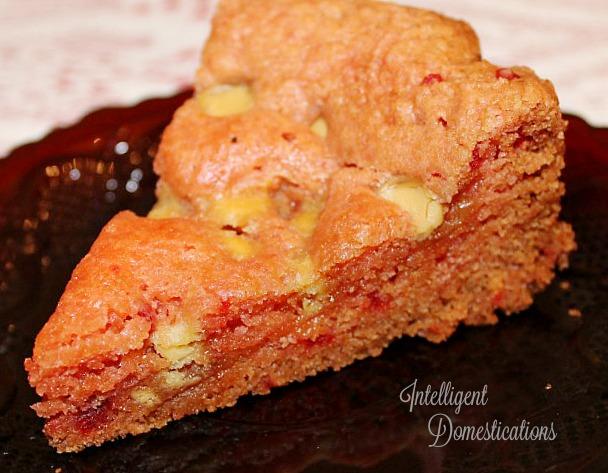 Strawberry Cake Mix Brownies. Crockpot Strawberry Cake Mix White chocolate chip Brownies. How to make cake mix brownies in the Crockpot