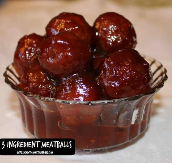 3 Ingredient Meatballs easy recipe. It's a Crockpot recipe recipe ready in just a couple hours. Perfect for feeding crowds for special occasions. #meatballs #easyrecipe #Crockpotrecipe