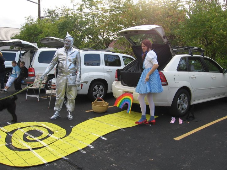 Wizard of Oz Trunk or Treat design