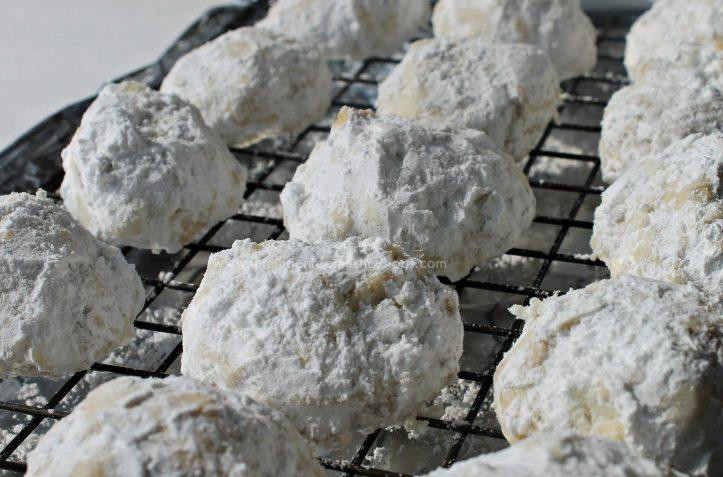 Pecan Sandies Snowball Cookies 1 at www.intelligentdomestications.com