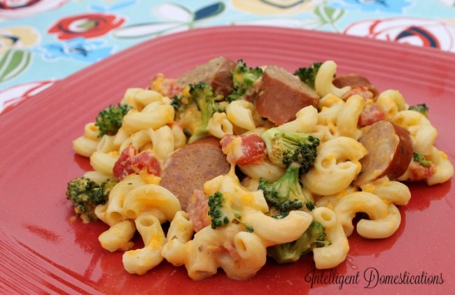 Crockpot Broccoli and Sausage Macaroni Casserole. Only 7 ingredients.