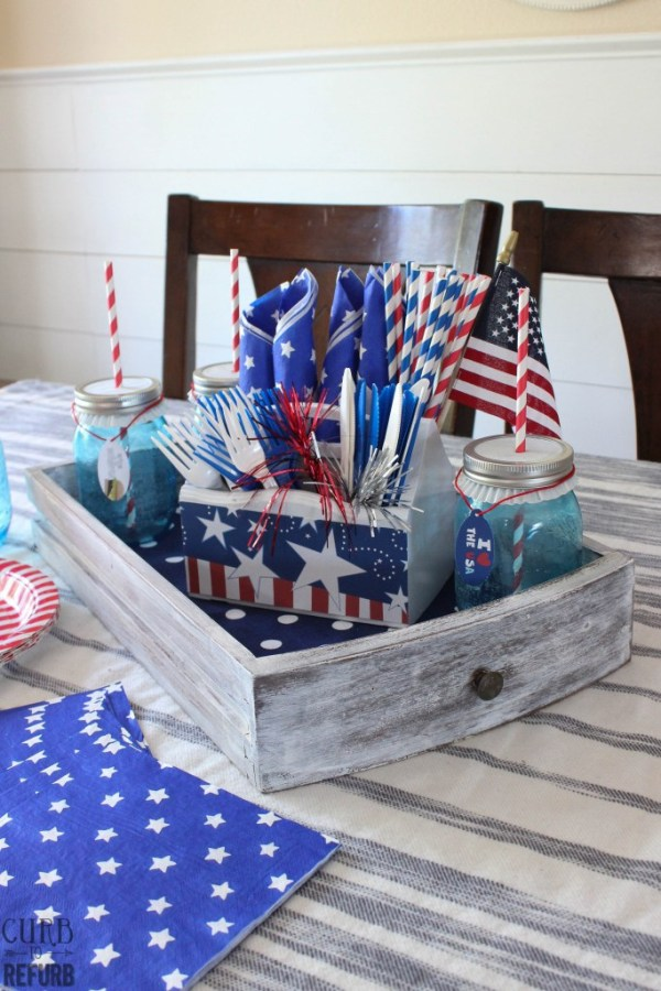 Repurpsed Drawer Patriotic Tray Centerpiece. 10 Patriotic Table Decor Ideas. Patriotic Tablescape Ideas. How to set a Red, White and Blue Table. July 4th Tablescape Ideas. 4th of July Tablescape Ideas. #Patriotictable #redwhiteandbledecor #patrioticdecor