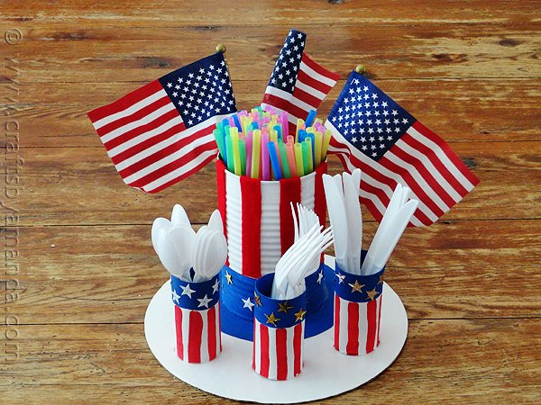 10 Patriotic Table Decor Ideas. Patriotic Tablescape Ideas. How to set a Red, White and Blue Table. July 4th Tablescape Ideas. 4th of July Tablescape Ideas. #Patriotictable #redwhiteandbledecor #patrioticdecor patriotic-utensil-holder