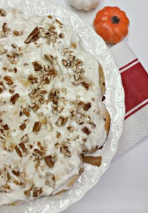 apple cinnamon roll coffee cake pecans in the icing