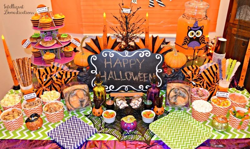 our-not-so-spooky-halloween-party-buffet-is-a-sweet-and-salty-theme-nothing-spooky-to-eat-on-our-party-table-intelligentdomestications-com