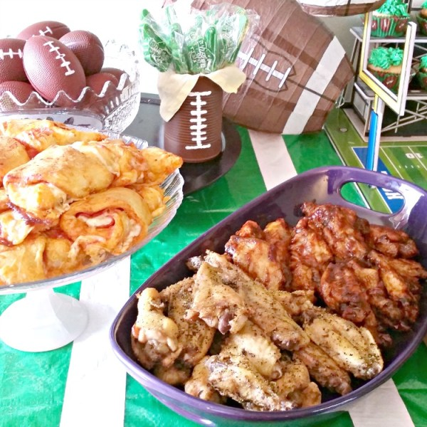 Football party ideas. Football party plans. Football party food and decor. Where to find fun football party decorations at affordable prices. Football party table. #footballparty