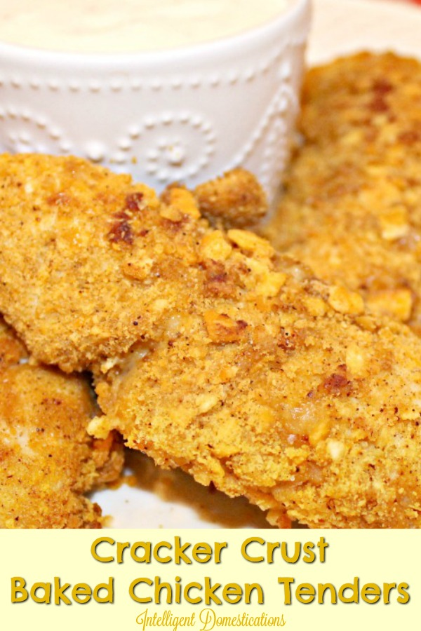 Cracker Crust Baked Chicken Tenders. Cheeze-It Crusted Baked Chicken Tenders recipe. #lunchrecipe #bakedtenders #bakedchickentenders