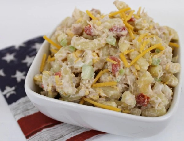 Easy made from scratch Tuna Pasta Salad recipe. Tuna Macaroni Salad recipe. #pasta salad #tunapastasalad