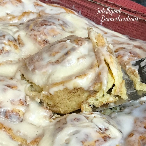 Easy to make Pumpkin Spice Cream Cheese Sweet Rolls with All Centers. It's the soft centers of cinnamon rolls we all love the most so I created these cream cheese stuffed pumpkin spice dessert just the way I like it. Not from scratch. I use a trick busy Moms love. #pumpkindessert