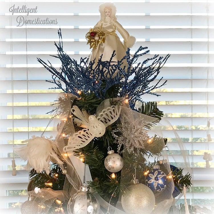 Etonnant Blue And White Christmas Tree Decor. Royal Blue, White And Silver Christmas  Tree Decorations