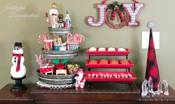 Hot Cocoa Bar Ideas. Make your home warm and cozy this Christmas season with a Hot Cocoa Bar. 30 plus Hot Cocoa Bar Ideas