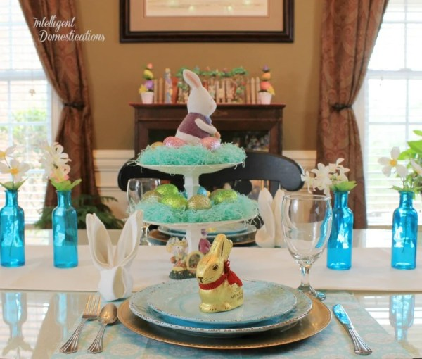 Simple Easter Table Decor. Easter Table Decorations. Blue Easter Table Decorations