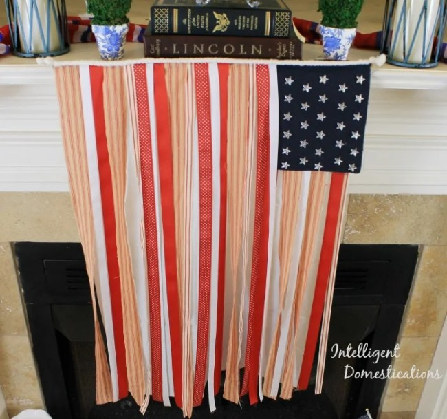 You can make this Red White and Blue Ribbon Banner Flag for 4th of July decor or any Patriotic American celebration. #ribbonflag #diy #Patrioticdecor #USAdecor #diydecor #4thofjuly