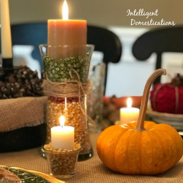 How to Use Popcorn As A Vase Filler. DIY Fall Decor Ideas #DIYDecor