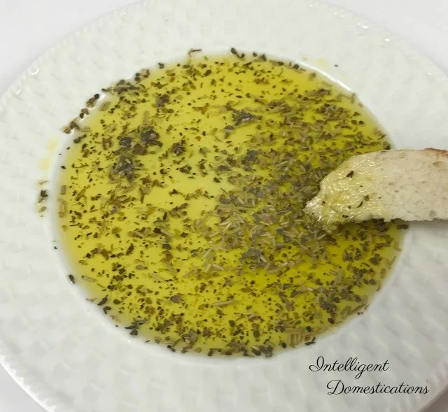 Easy Italian Butter recipe. Just like Carrabba's. Make your own Italian Olive Oil dip for bread using a few Italian herbs and spices. #italianbutter #copycatrecipe #Italiandinner