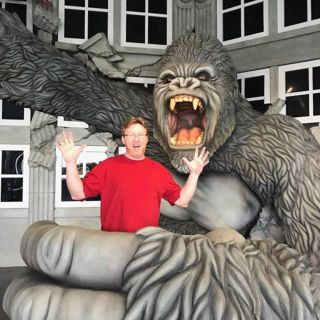 Hollywood Wax Museum King Kong statue. Myrtle Beach S. C. Hollywood Wax Museum Myrtle Beach S. C., our honest review. Family friendly vacation attraction. I am sharing what we liked and how family friendly this attraction is for all ages. #vacation #waxmuseum #myrtlebeach