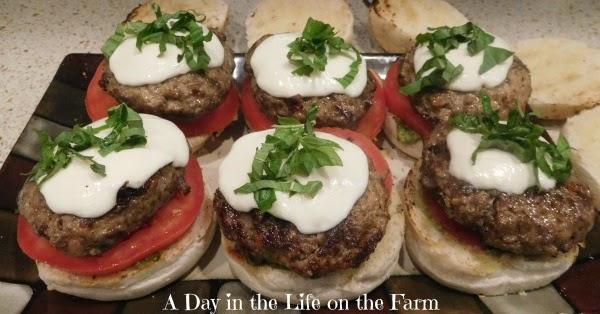Caprese Burgers #FarmersMarketWeek