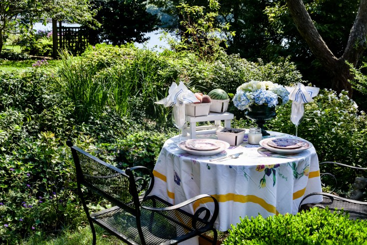 A Late Summer Tablescape in the Garden